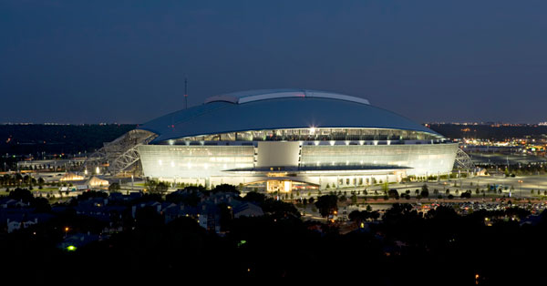 Cowboys Stadium a noite. ( Foto: texasbomanite.com )