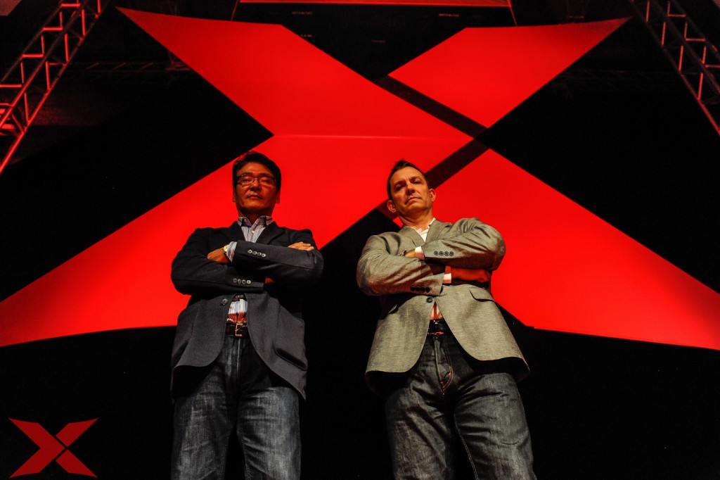 O presidente do XFC, Myron Molotky, à direita, ao lado do CEO, Edward Jung (Foto: Fusion Photography)