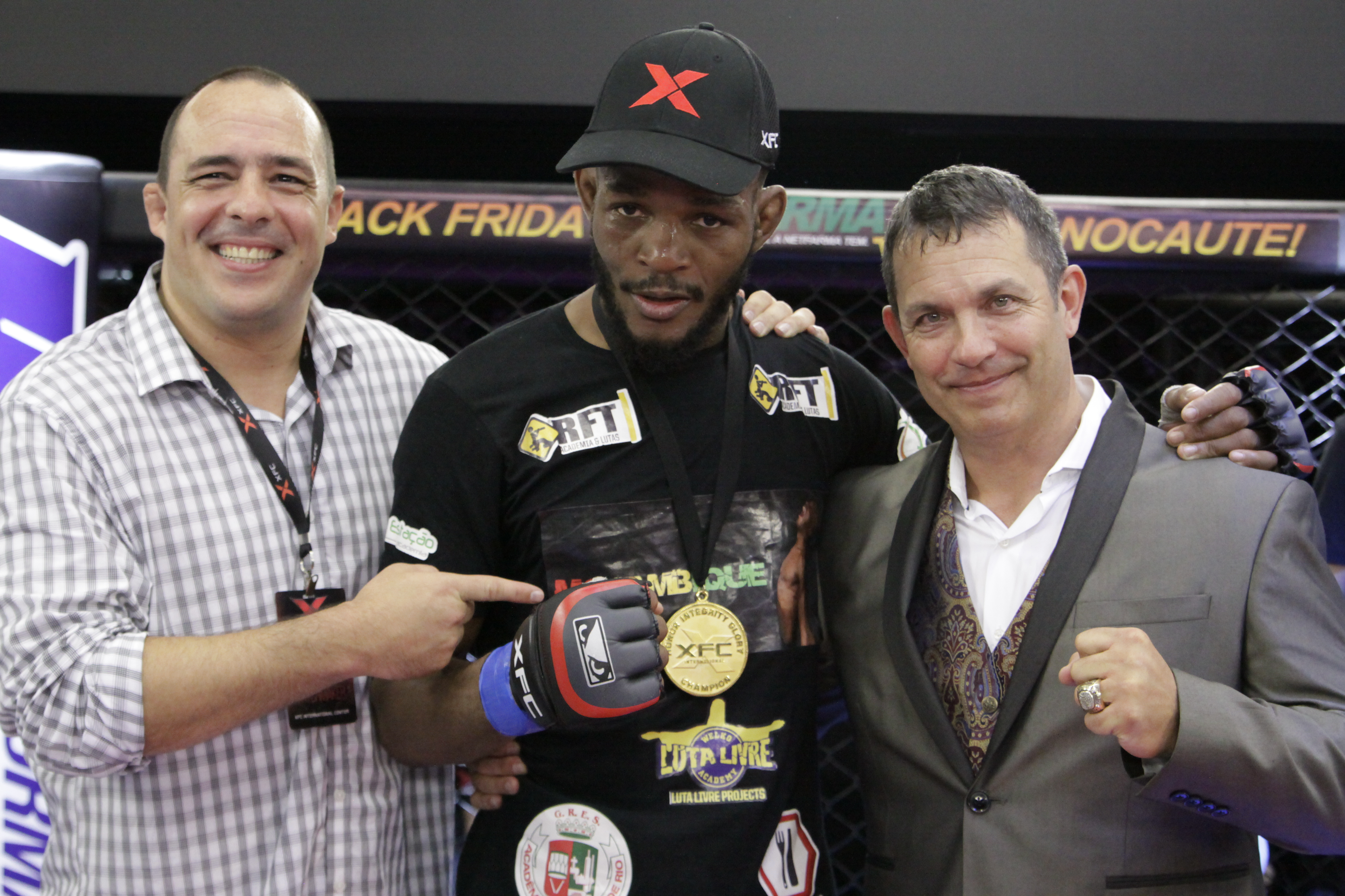 Carlston Harris é o novo campeão do torneio peso-meio-médio do XFC (Foto: Divulgação/Fusion Photography)